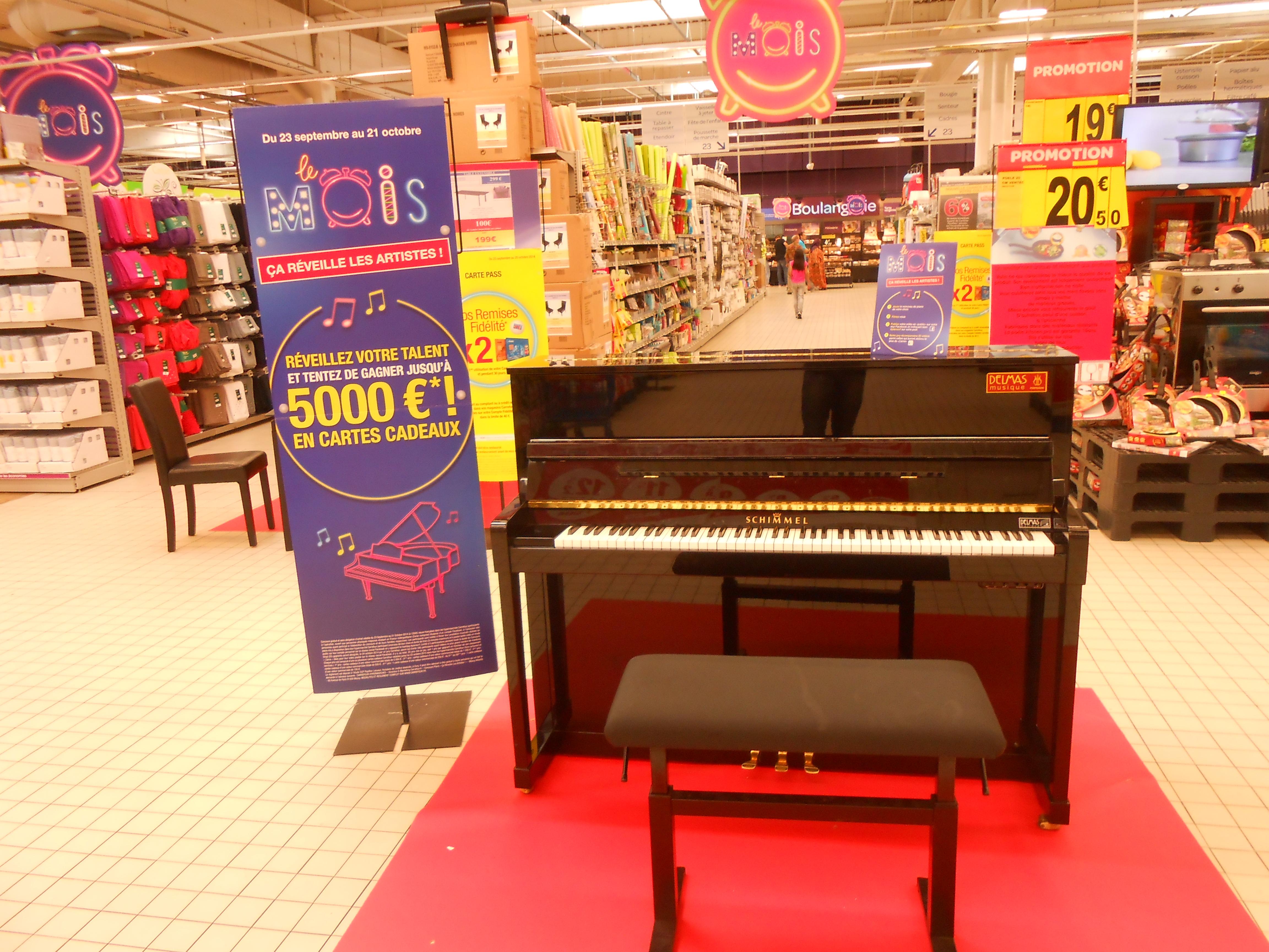Delmas Musique DSCN2063 Des pianos dans les Carrefours Perpignanais